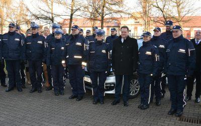 Przekazanie radiowozów komendom Policji w Suwałkach, Augustowie, Grajewie i Łomży