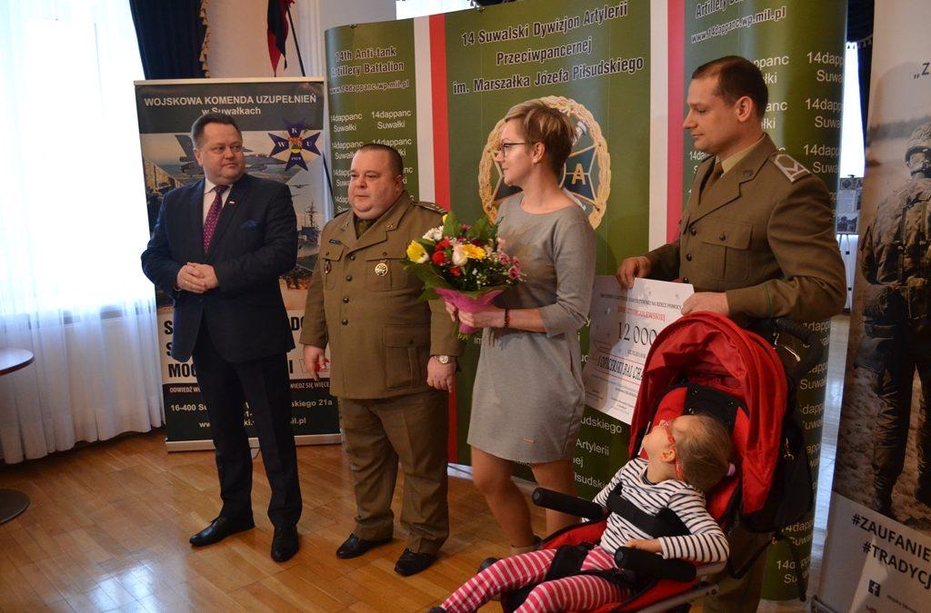 Czek dla Zosi z Oficerskiego Balu Charytatywnego w Suwałkach