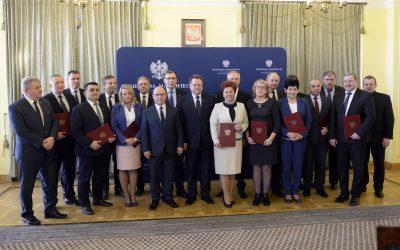 Wręczenie promes samorządowcom z województwa mazowieckiego
