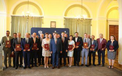Wręczenie promes dla samorządowców z Mazowsza