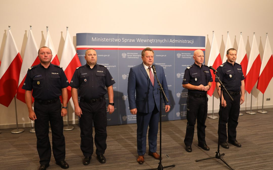 Konferencja prasowa podsumowująca pilotażowy program kamer dla policjantów