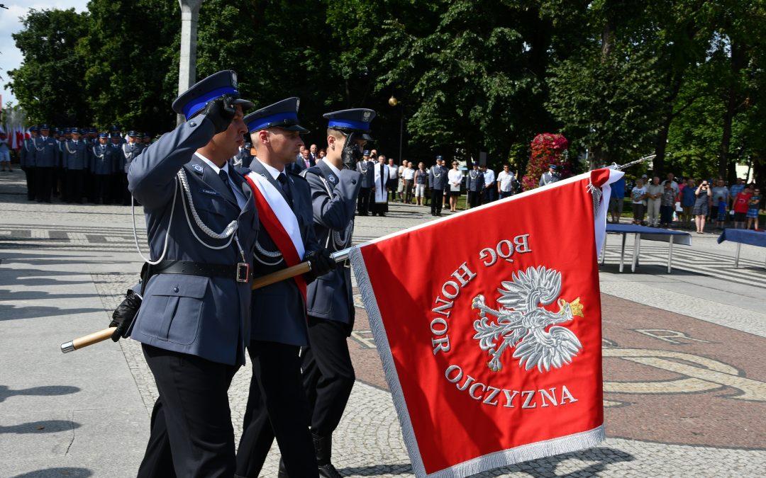 Nadanie sztandaru Komendzie Powiatowej Policji w Augustowie