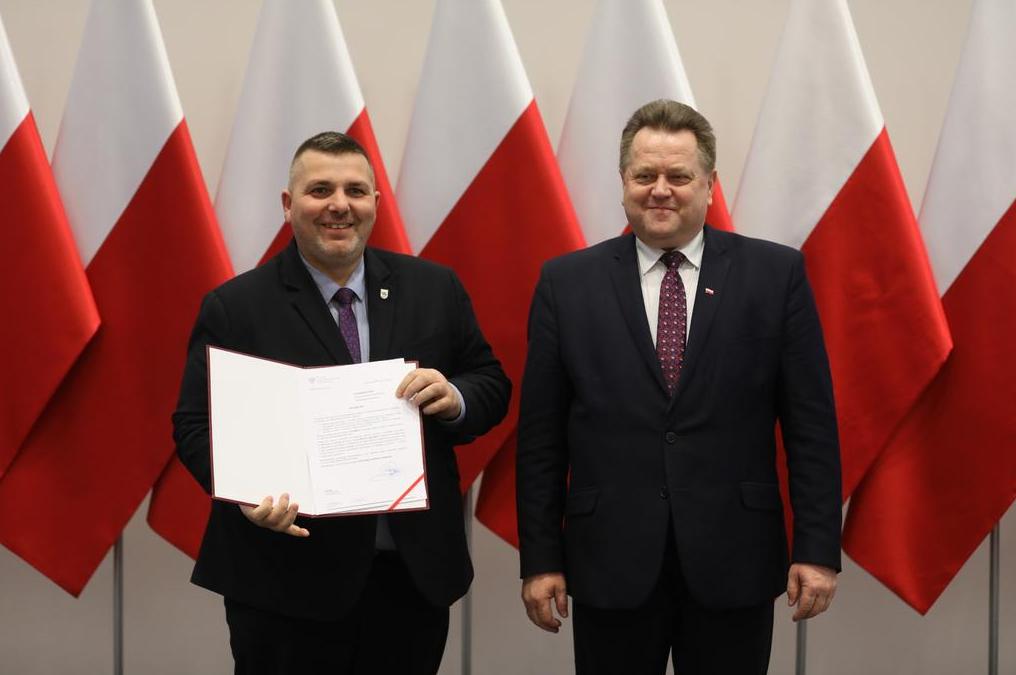 Promesy dla samorządów z województwa mazowieckiego i łódzkiego