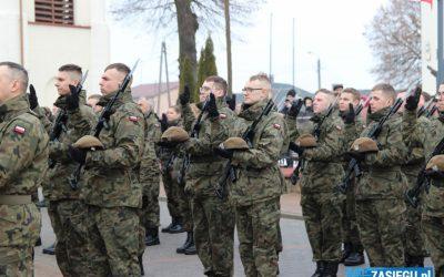 Przysięga wojskowa żołnierzy WOT w Kolnie