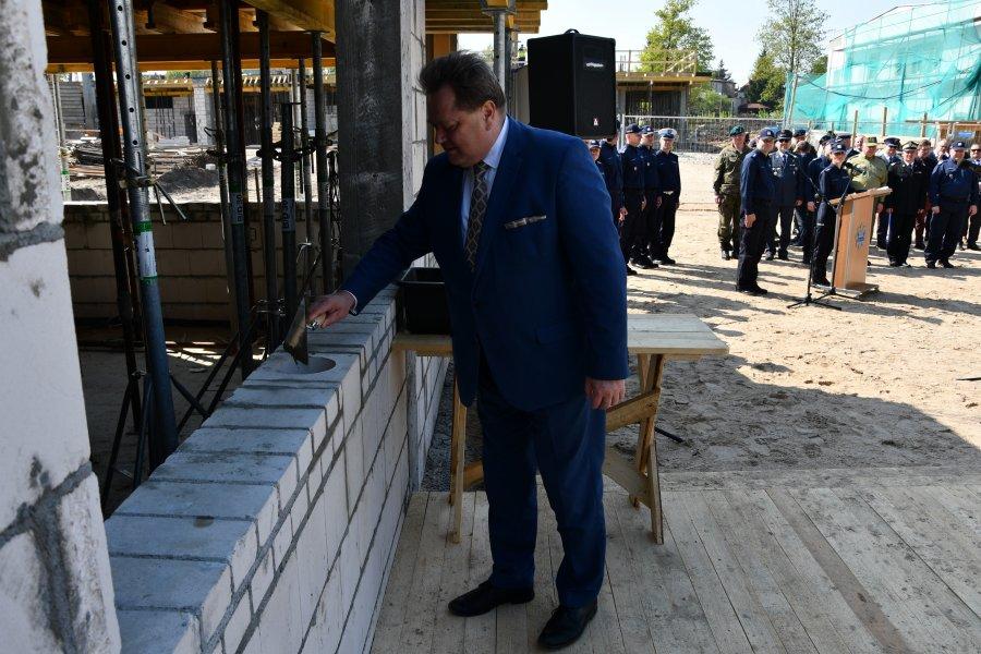 Wmurowanie aktu erekcyjnego pod budowę policyjnego centrum logistycznego w Białymstoku