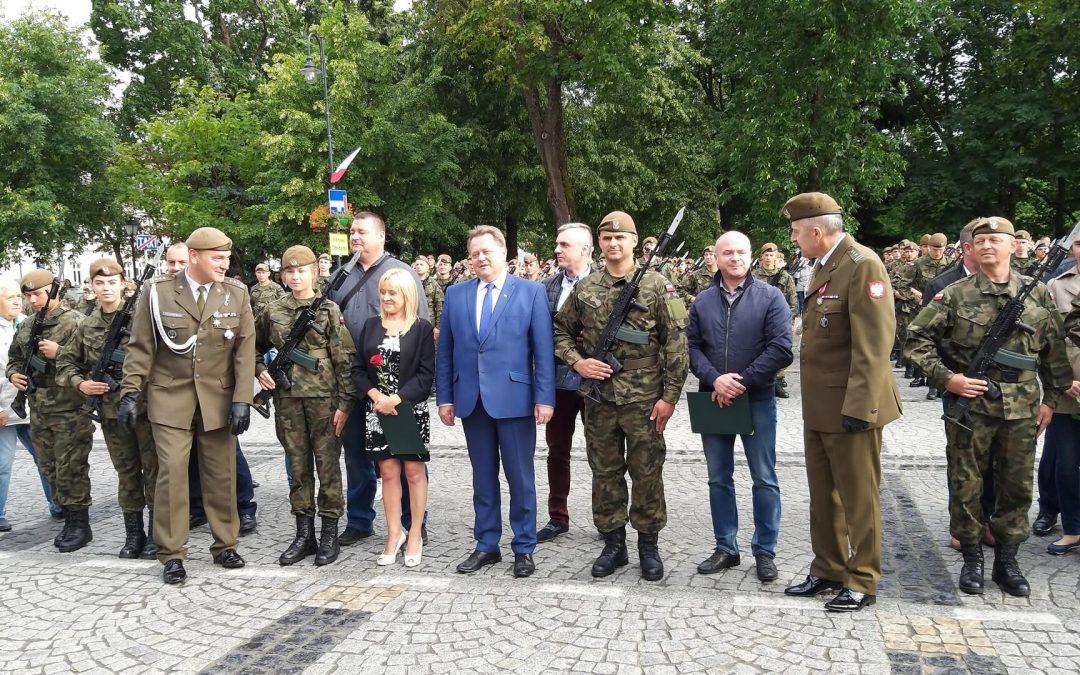 Przysięga żołnierzy WOT w Suwałkach