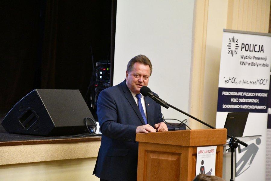 """Inauguracja """"Kampanii na rzecz bezpieczeństwa osób starszych"""" w Łomży"""