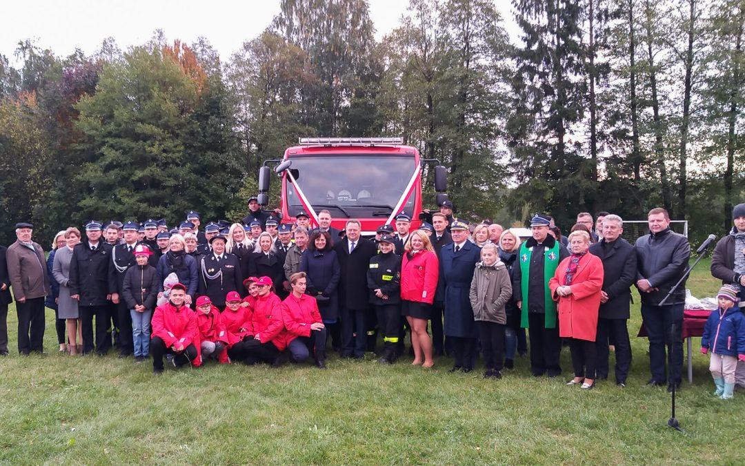 Jednostka OSP Kozińce otrzymała nowy wóz strażacki