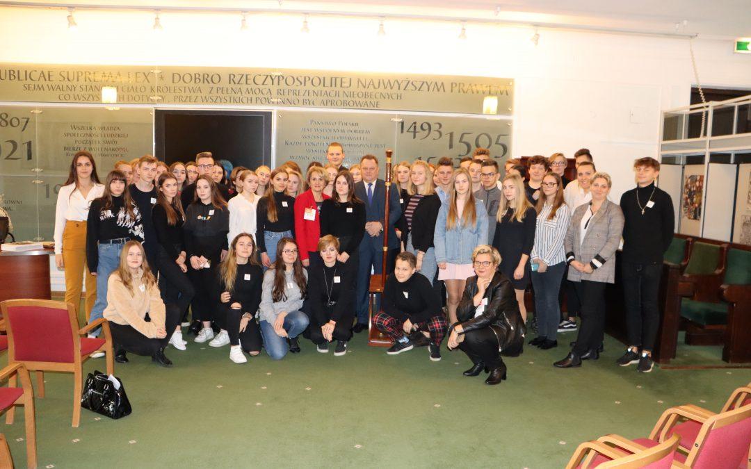 Spotkanie w Sejmie z licealistami z Augustowa