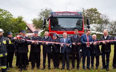 Jednostka OSP w Jacowlanach otrzymała nowy wóz strażacki