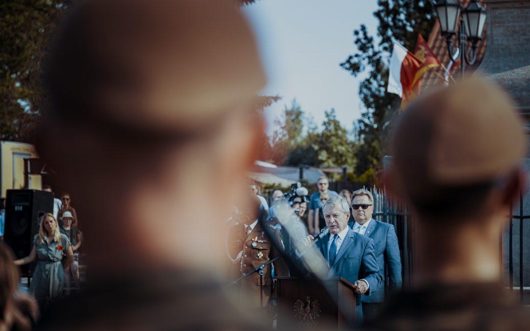 Przysięga żołnierzy 1. Podlaskiej Brygady WOT – Tykocin